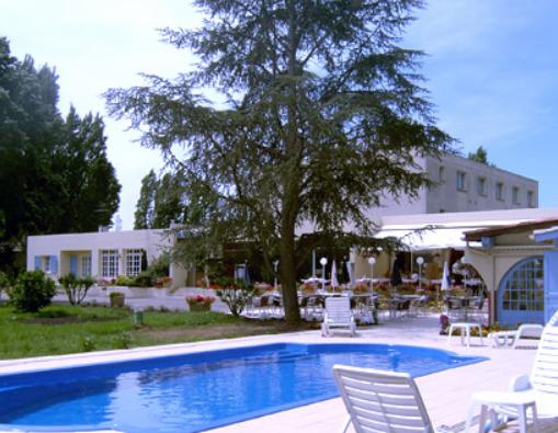 Hôtel-Restaurant 3* (murs et fonds) à vendre dans ville touristique du Gers